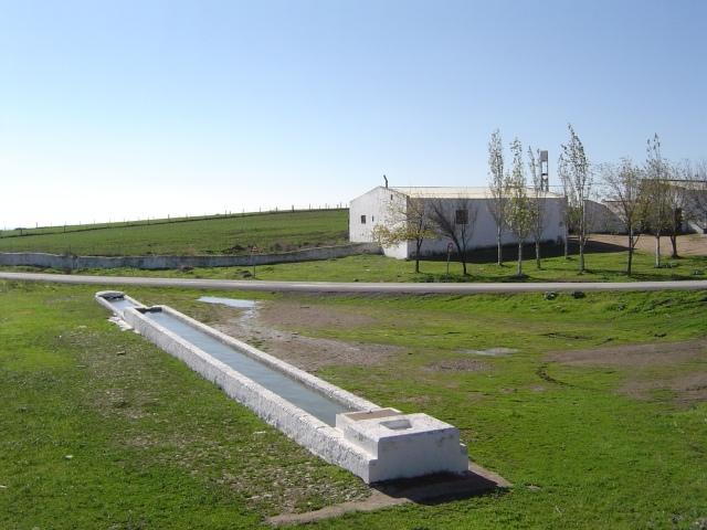 Villanueva de los Castillejos. Huelva. Pilar abrevadero